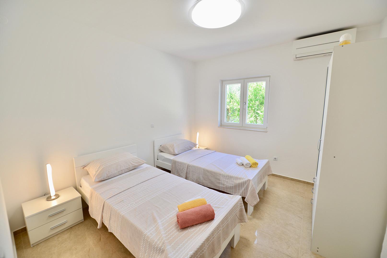 ferienwohnungen auf hvar ferienwohnung in kroatien direkt. Black Bedroom Furniture Sets. Home Design Ideas